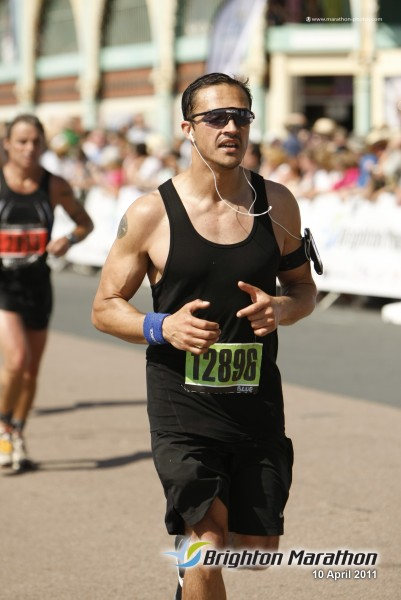 Brighton Personal Trainer, Neilon running the Brighton Marathon